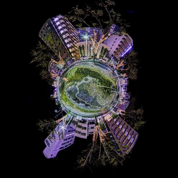 青葉シンボルロード イルミネーション Little Planet (「水流彫刻の水路」)