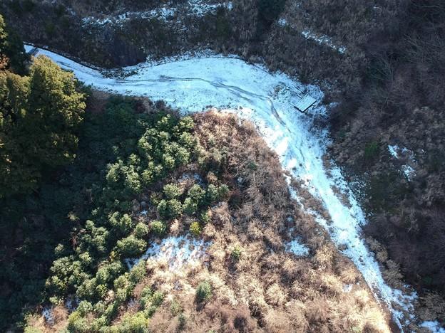 雪の残る大沢林道