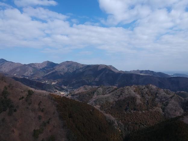 鳥屋待沢から見た清川村