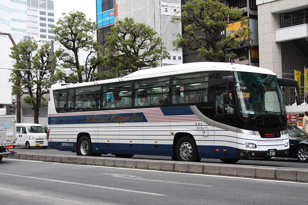 国際興業バス 906号車