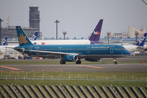 ベトナム航空 エアバスA321-200 VN-A365