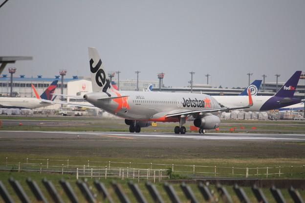 ジェットスタージャパン エアバスA320-200 JA12JJ (1)