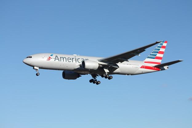 アメリカン航空 ボーイング777-200ER N765AN