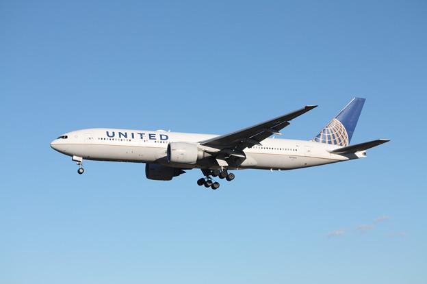 ユナイデッド航空 ボーイング777-200ER N77012