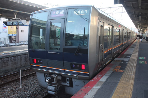 JR神戸線 207系Z8編成 リニュアール車