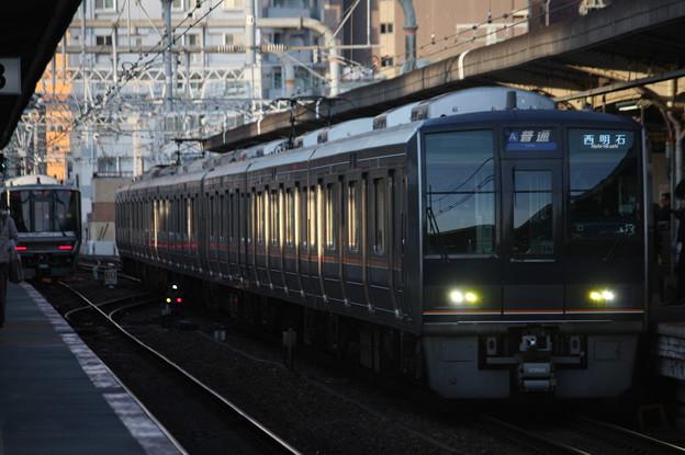 JR神戸線 207系1000番台S37編成 リニュアール車