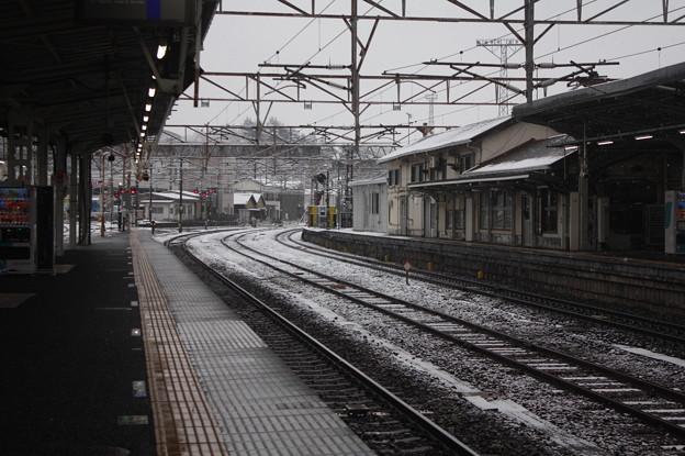 積雪の常磐線水戸駅構内