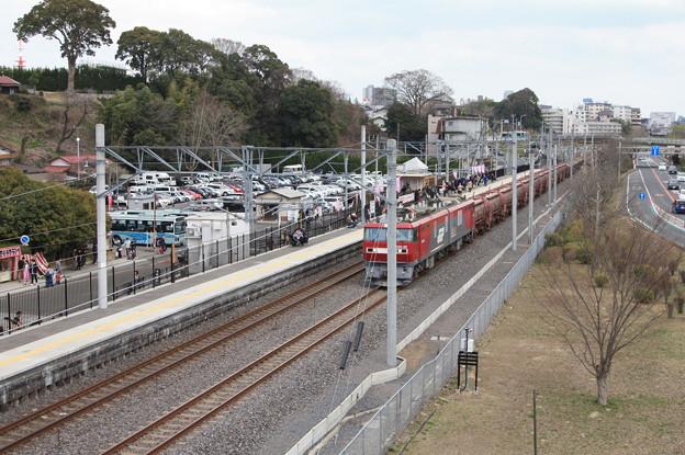 偕楽園駅を通過する5094レ安中貨物 (4)