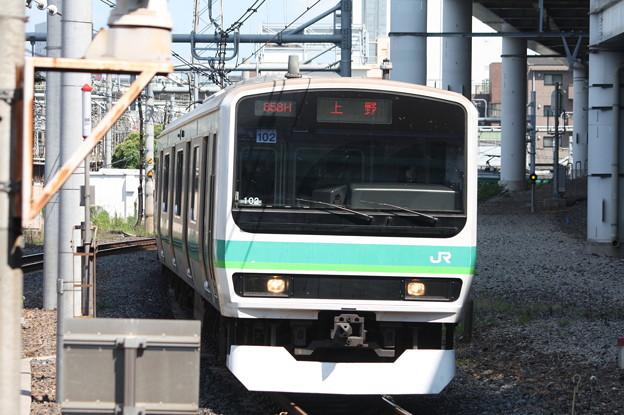 日暮里駅3番線に到着する常磐快速線E231系マト102編成 (1)