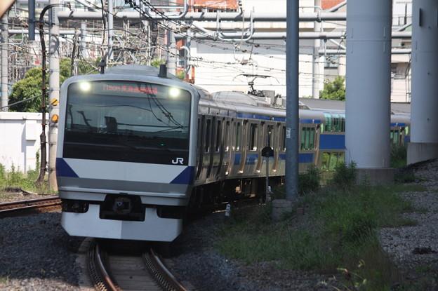 日暮里駅3番線に到着する常磐線E531系K424編成