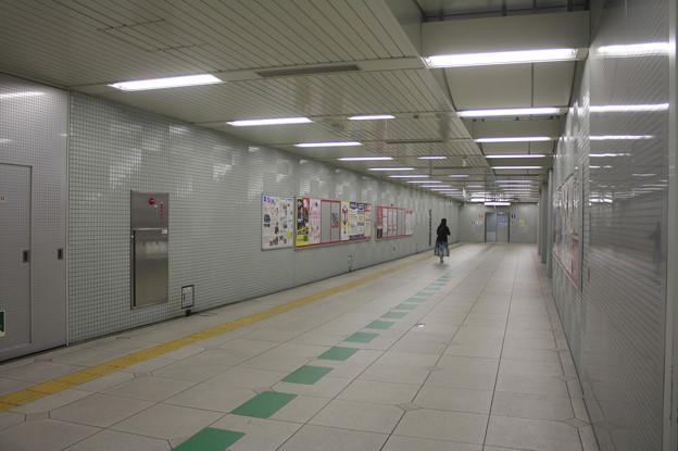 都営地下鉄大江戸線 上野御徒町駅 コンコース