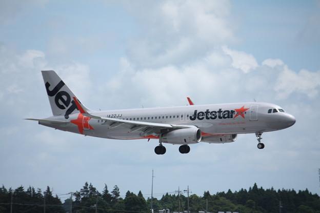 ジェットスタージャパン A320-200 JA22JJ (1)