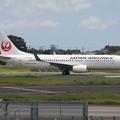 成田空港RWY16Lを離陸するJAL B737-800 JA303J