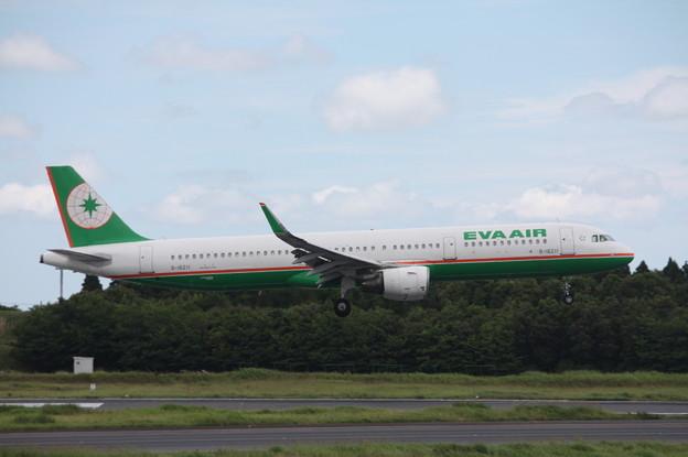 エバー航空 A321-200 B-16311 (2)