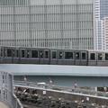 ゆりかもめ7200系27F 終点新橋駅到着