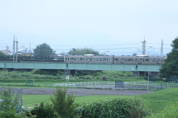 211系3000番台 普通 横川 行 安中鉄橋付近