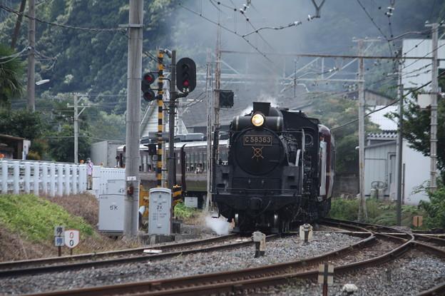 写真: 秩父鉄道 パレオエクスプレス 5001レ C58 363+12系客車4B 波久礼付近 (1)
