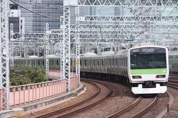 山手線 E231系500番台トウ550編成 (1)