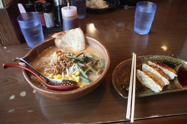 味噌屋 麺吉 信州味噌ラーメン コーン・チャーシュー トッピング (1)
