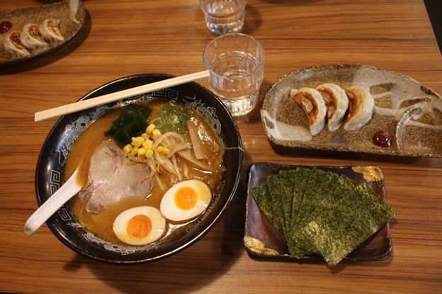 らーめん金伝丸 渋谷 味噌ラーメン&餃子