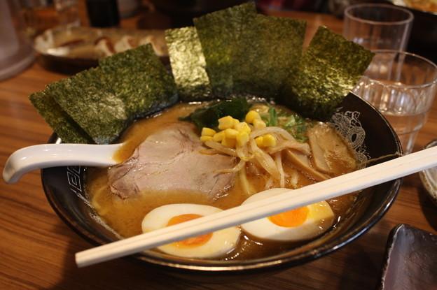 らーめん金伝丸 渋谷 味噌ラーメン・海苔トッピング (1)