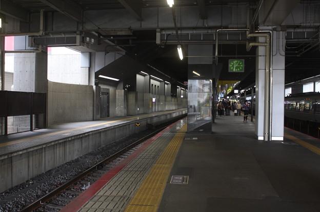 JR嵯峨野線 京都駅32番のりば・33番のりば ホーム