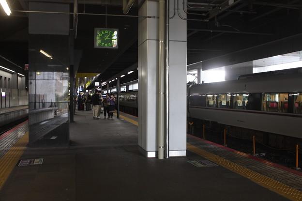 JR嵯峨野線 京都駅32番のりば ホーム