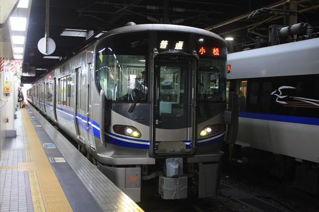 北陸本線 521系J11編成 普通 小松 行
