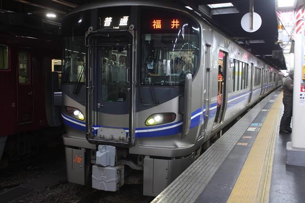 北陸本線 521系J12編成