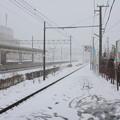 Photos: 雪の富山地方鉄道本線滑川駅