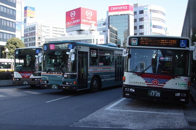 関東バスB1414・西武バスA0-450・関東バスC2201