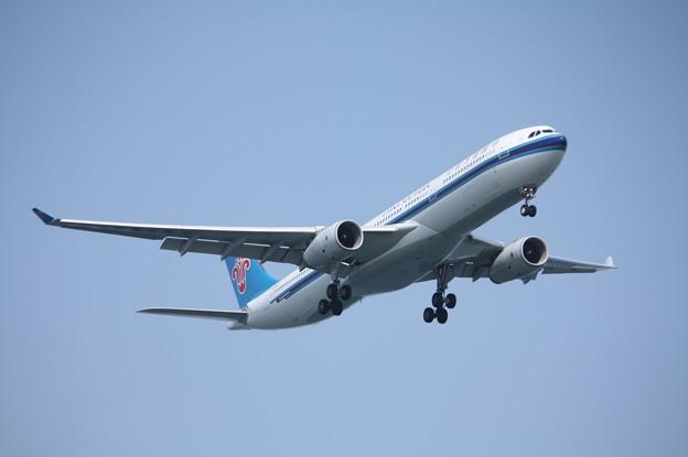 中国南方航空 A330-300 B-8362 (2)