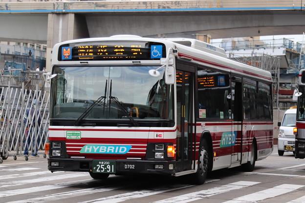 小田急バス 13-D702