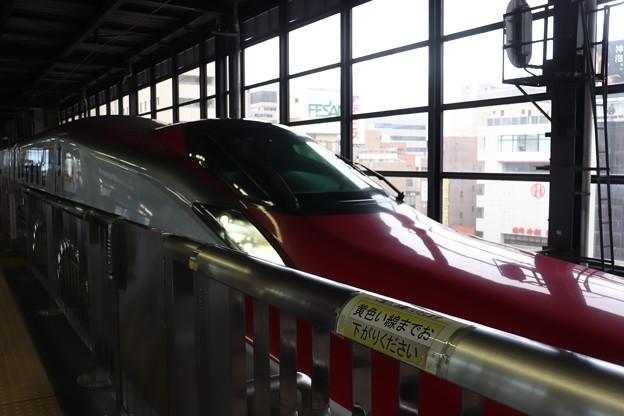 秋田新幹線 E6系Z9編成 H5系との連結準備 (1)