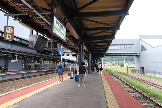 函館本線 新函館北斗駅3番線・4番線ホーム