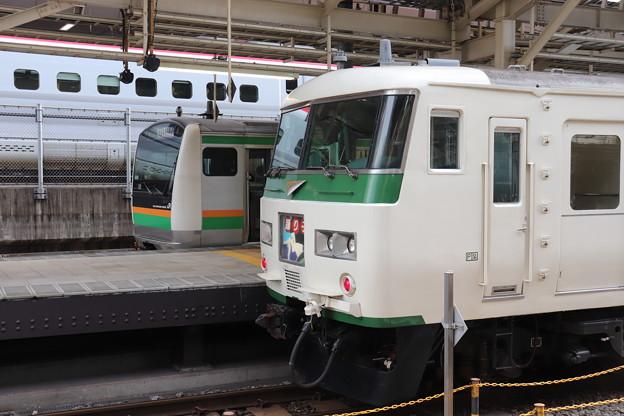 E233系3000番台・185系