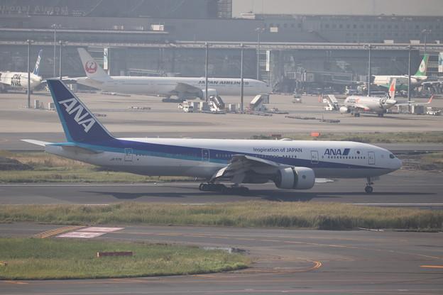全日空 ANA B777-200ER JA717A (2)