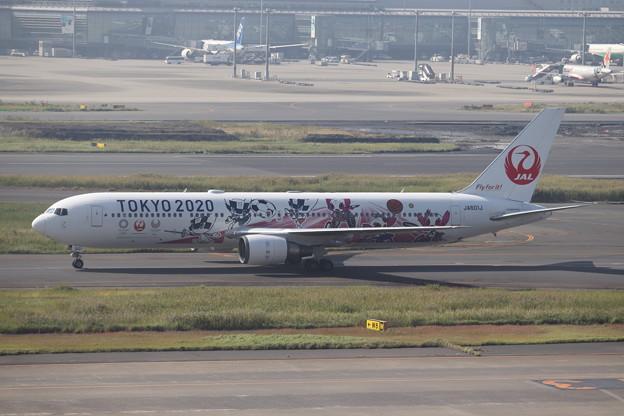 日本航空 JAL B767-300ER JA601J 「TOKYO2020」ラッピング