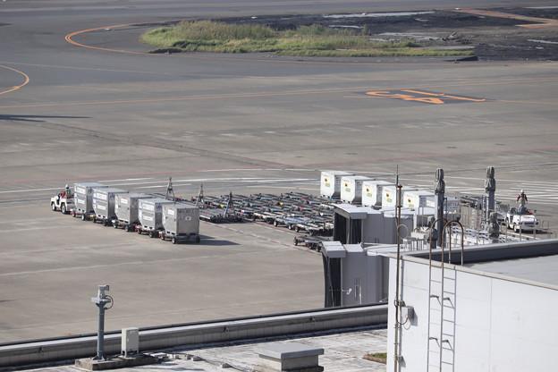 JALのコンテナ車
