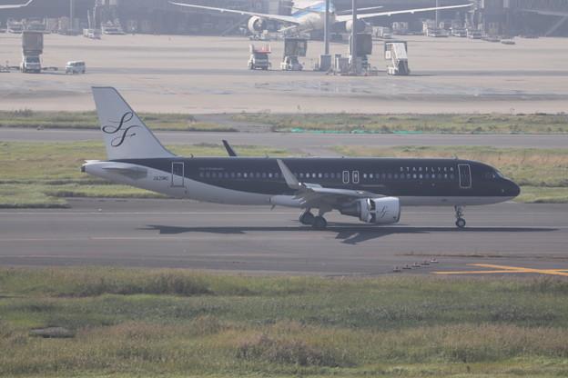 スターフライヤー SFJ A320-200 JA21MC