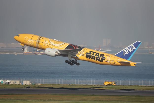 全日空 ANA B777-200ER JA743A スターウォーズジェット (1)