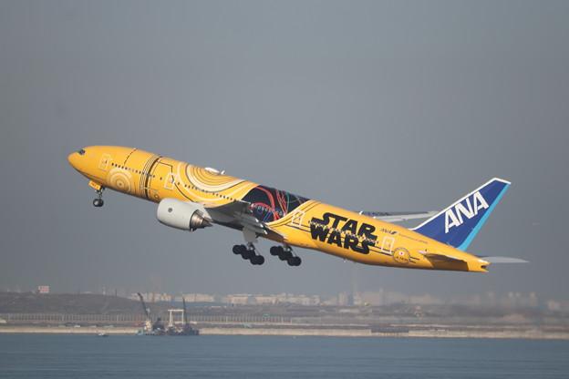 全日空 ANA B777-200ER JA743A スターウォーズジェット (2)