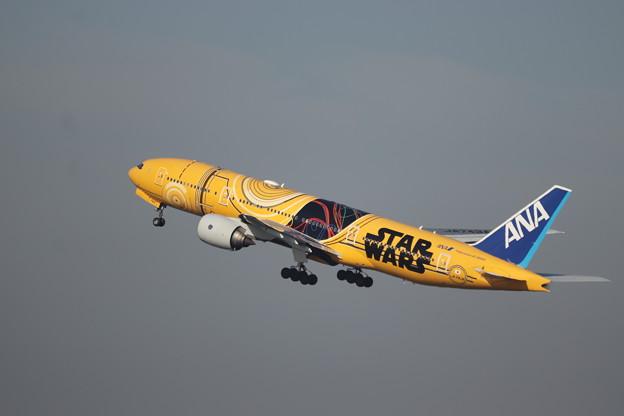 全日空 ANA B777-200ER JA743A スターウォーズジェット (3)