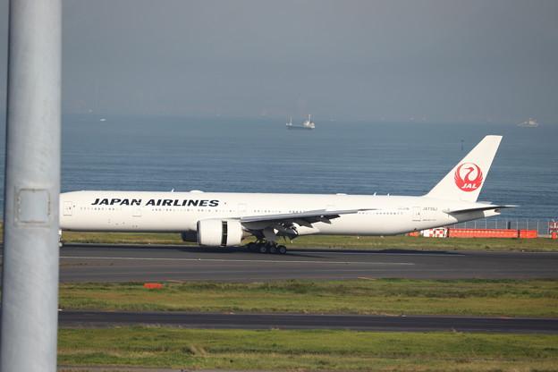 日本航空 JAL B777-300ER JA736J (1)