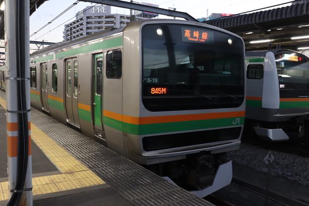 E231系1000番台S-19編成・E233系3000番台E-59編成 (1)