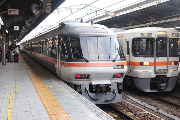 東海道本線 特急ワイドビューひだ10号 終点名古屋到着後 回送