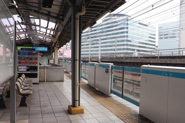 有楽町駅3番線・4番線ホーム