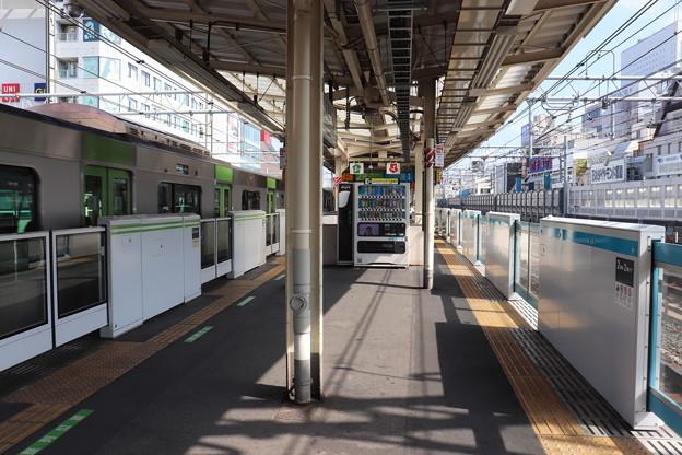 山手線・京浜東北線 御徒町駅1番線・2番線ホーム