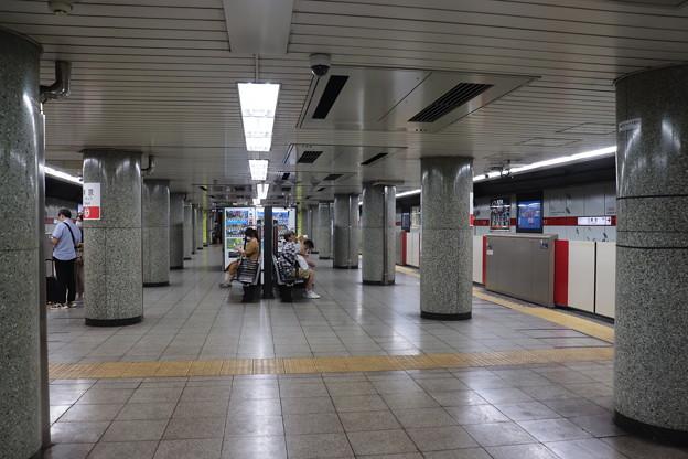 東京メトロ丸ノ内線 東京駅1番線・2番線ホーム