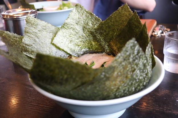 Photos: らーめん匠家 ラーメン ほうれん草・コーン・海苔トッピング